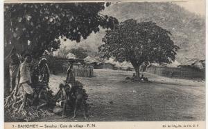 DAHOMEY , Africa , 1900-10s; Savalou : Coin de village - F.N.