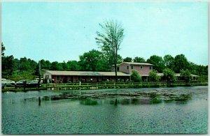 Plattekill, New York Postcard GLADYS MOTEL Unionville Road Roadside 1960s Chrome