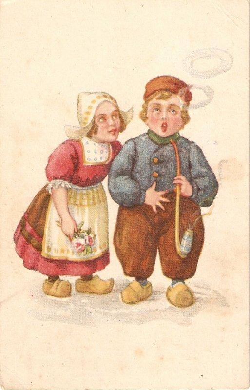 A Dutch couple Nice Spanish postcard 1940s