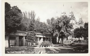 RP: SALT LAKE CITY , Utah , 30-40s ; Tabernacle