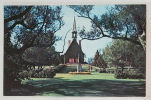 Vintage Postcard:Evangeline Park and Mountain, Grand Pre, CAN. women at statue
