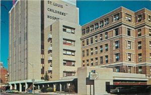 St Louis Missouri~Childrens Hospital~1960s Cars~Postcard