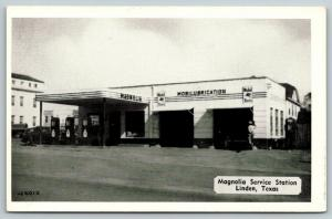 Linden Texas~Magnolia Service Station~Gas Station Attendant~1940s Cars~B&W PC