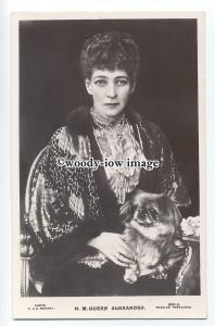 r1123 - Queen Alexandra wife of King Edward VII with her dog - postcard