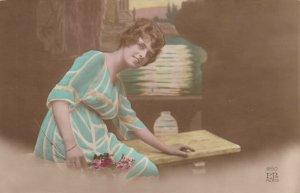 RP: Female Portrait, 1901-07