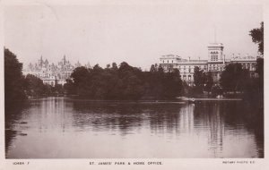 RP: LONDON , England , 1910 ; St. Jame's Park
