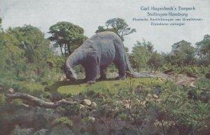 STELLINGEN-HAMBURG, Germany, 1900-10s; Hagenbeck's Tierpark, Dinosaur display