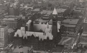RP: TORONTO , Ontario , 30-40s ; City Hall : Version-2