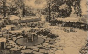 GANANOQUE , Ontario , 10-30s ; Golden Apple, Gardin Dining Room