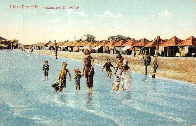 Lido-Venezia - Capanne di Destra Beach Scene Italy c1910s Vintage Postcard