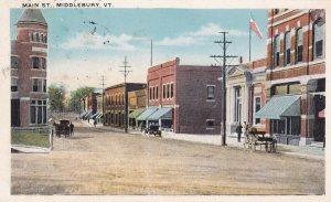 MIDDLEBURY , Vermont , 1921 ; Main Street (dirt road)