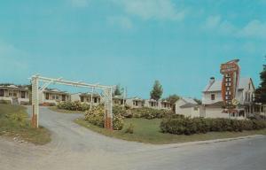 L'ANGE-GARDIEN, Quebec,  50-60s ; Villa Moderne Cabins