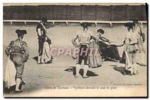 Postcard Old Bulls Bullfight Puntillero Racing giving the coup de grace