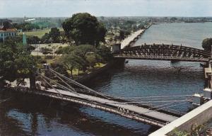 Cavanagh and Anderson Bridges, Singapore River, SINGAPORE, 40-60's