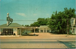 BRENTWOOD , TENNESSEE - Exterior View Old Cars Travelers Motel Rest POSTCARD