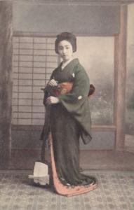 Japann Beautiful Geisha Girl In Traditional Costume