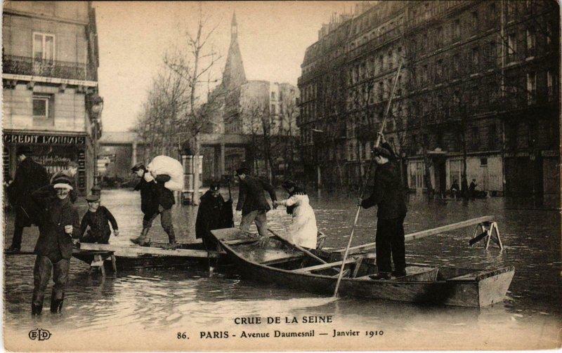 CPA Inondations PARIS 1910 Avenue Daumesnil (972103)