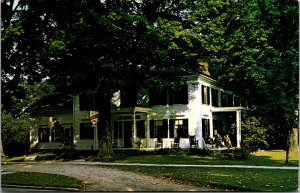1811 House Manchester VT inn Hotel B&B Porch Rocking Chairs Vtg Postcard