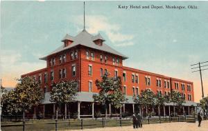 B64/ Muskogee Oklahoma Ok Postcard c1910 Katy Hotel and Railroad Depot