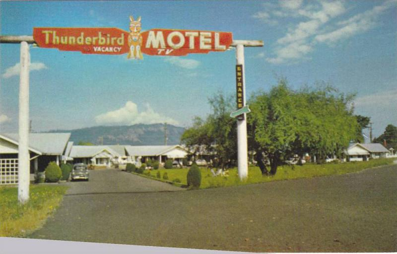 Entrance of Thunderbird Motel, Home of the Forest Museum, Duncan, British Col...