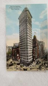 Flat Iron Building, Broadway and Fifth Avenue, New York City