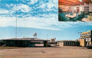 Vidalia Louisiana~Shamrock Motor Hotel~Diner Interior~Booths~1950s Postcard