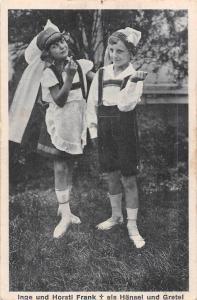 Inge und Horstl Frank als Haensel und Gretel, Kinder, Children Costumes postcard
