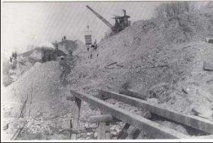 NY - Erie Canal Under Construction, 1909. Steam Shovel & Crane (1995 Print)