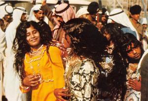 BG32676 uae folk dance called al naashat types folklore united arab emirates
