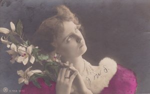 RP: Art Nouveau woman w/ flowers , 1908