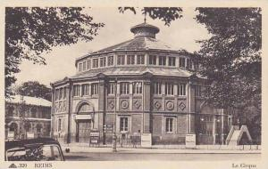 REIMS, Le Cirque, Champagne-Ardenne, France, 10-20s