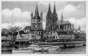Koeln Dom St Martin und Stapelhaus Cathedral River Boat Schiff