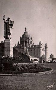 Statue et Basilique St Therese,Lisieux,France BIN