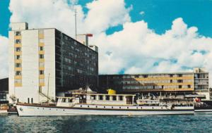 The M.Y. Sanadu at the Bayshore Inn,  Vancouver,  B.C.,  Canada,  40-60s
