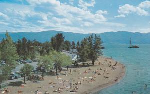 Okanagan Lake Beach , KELOWNA , B.C. , Canada , 50-60s