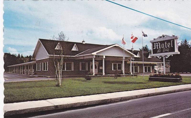 Motel Le Gite , Bar Le Gobelet, La Tuque, Province of Quebec, Canada, PU-1986