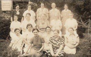 RP: PEORIA , Illinois , PU-1938 ; Group of Women