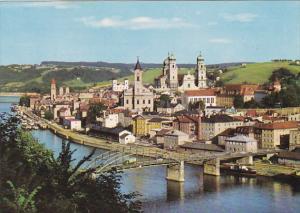 Germany Passau Donaupartie mit Hafen
