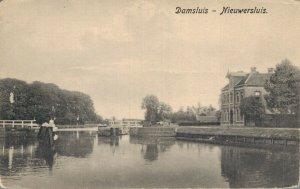 Netherlands Nieuwersluis Dam Lock Vintage Postcard 07.52