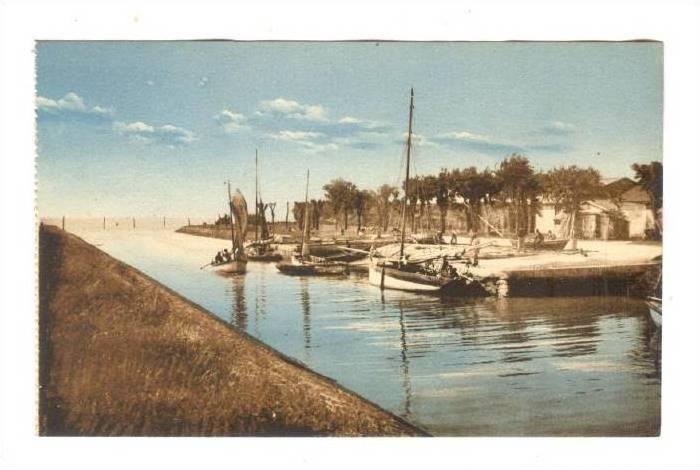 Port de Meschers-Les-Bains, France, 00-10s