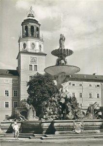 Austria Salzburg Residenzbrunnen mit Glockenspiel Postcard
