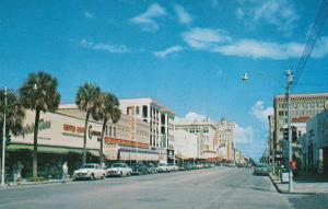 ST. PETERSBURG , Florida , 50-60s ; Central Avenue looking East