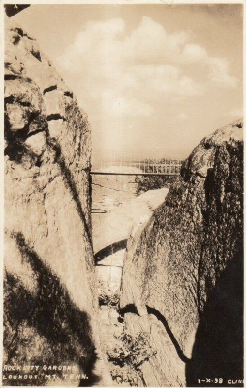 RP; LOOKOUT MT., Tennessee, 20-30s; Rock City Gardens