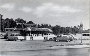 E GREENWICH, RI Rhode Island   DAIRY QUEEN  Cool c1950s CARS  Roadside Postcard