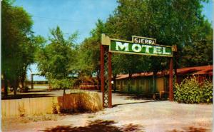 LOVELOCK, NV Nevada     The  SIERRA  MOTEL    c1950s   Roadside  Postcard