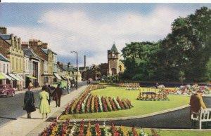 Scotland Postcard - Bank Street Gardens - Galashiels - Selkirkshire - Ref 3276A