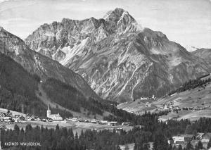 Kleines Walsertal Blick auf Riezlern Hirschegg und Mittelberg mit Widderstein