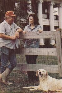Tennessee Hurricane Mills Loretta And Mooney Lynn At Their Plantation Home In...