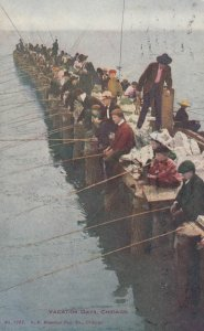 CHICAGO , Illinois , 1900-10s ; Pier Fishing