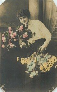 Postcard Greetings flowers bouquet basket flowers